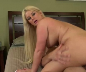 Blonde hottie milf sits on a cock