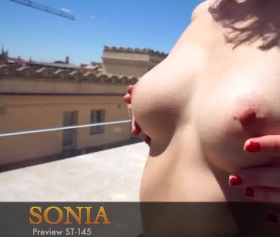 She opened her boobs in a public place