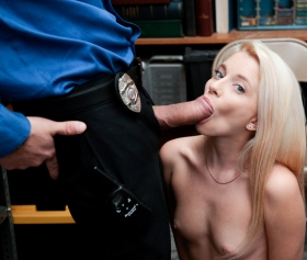 Cute blonde is a shoplyfter