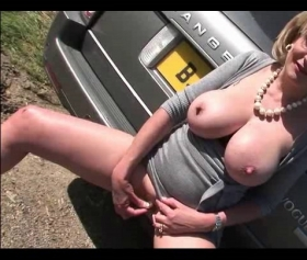 Milf fucked in a range rover