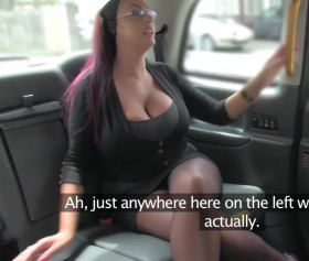 Secretary fucked in a taxi