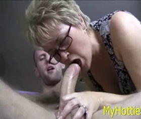 Young neighbor fucks the mature women